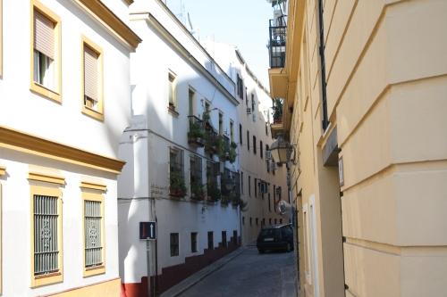 jalanan disekitar gereja Jeres