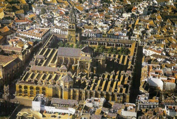 masjid katedral cordoba-